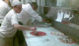 il giro del pomodoro nella pizza